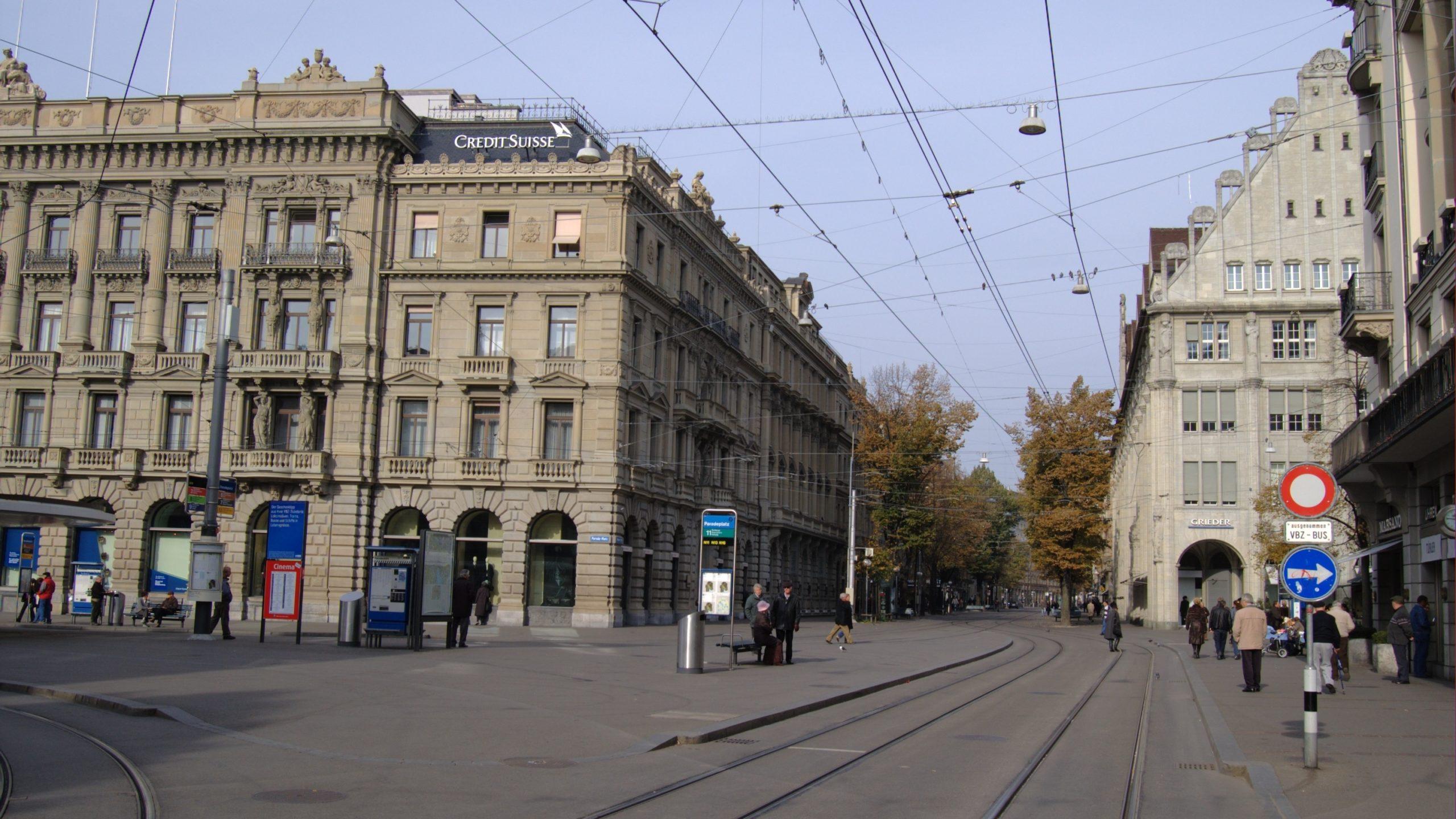 Bahnhofstraße in Zürich am Paradeplatz